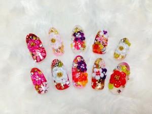 成人式ネイル指先に華を添える美しい和花