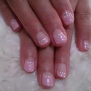ピンクの逆フレンチシンプルで可愛い