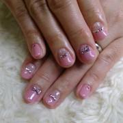 スウィートなリボンに胸キュンふんわりと色づく優しいピンクで